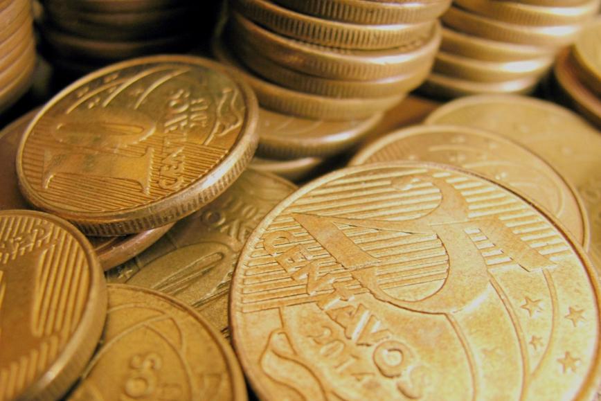 Inflação sobe, tem maior taxa desde o Plano Real e rompe barreira dos 10%