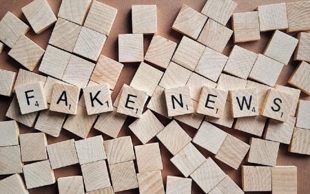 TSE se reúne com redes sociais para regular pagamentos de propagadores de fake news